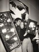 1983 - Thriller Certified Platinum  Th_579316890_185707_191229364243081_3670257_n_122_140lo