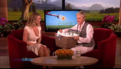 Jessica Simpson shows major cleavage on 'The Ellen Show' - Hot Celebs Home