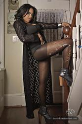 [Image: th_145661806_tduid2978_Pantyhose_Ebony_0..._241lo.jpg]