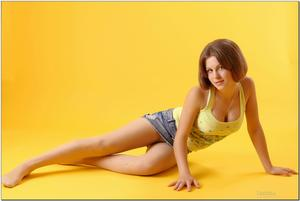 http://img268.imagevenue.com/loc394/th_279156715_tduid300163_sandrinya_model_denimmini_teenmodeling_tv_104_122_394lo.jpg
