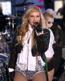 Ke$ha | Performance @ Dick Clark's New Year's Rockin' Eve in NY | December 31 | 89 hot pics
