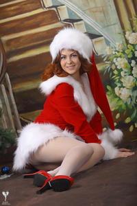 http://img268.imagevenue.com/loc441/th_531281229_silver_angels_Sandrinya_I_Christmas_1_048_123_441lo.jpg