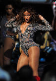 BEYONCE'S NIGHT AT MTV VMA '09 Th_98566_beyonce_Celebutopia_net_1212_122_500lo