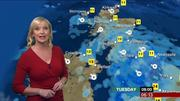 Carol Kirkwood (bbc weather) Th_739894438_007_122_84lo